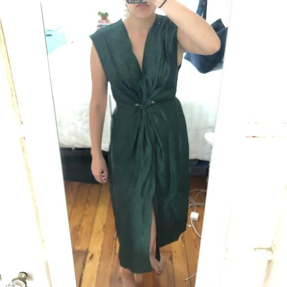 8fa99898f9b NWT Green linen Zara midi dress. M_5cf2f61e79df27e00a5a998c